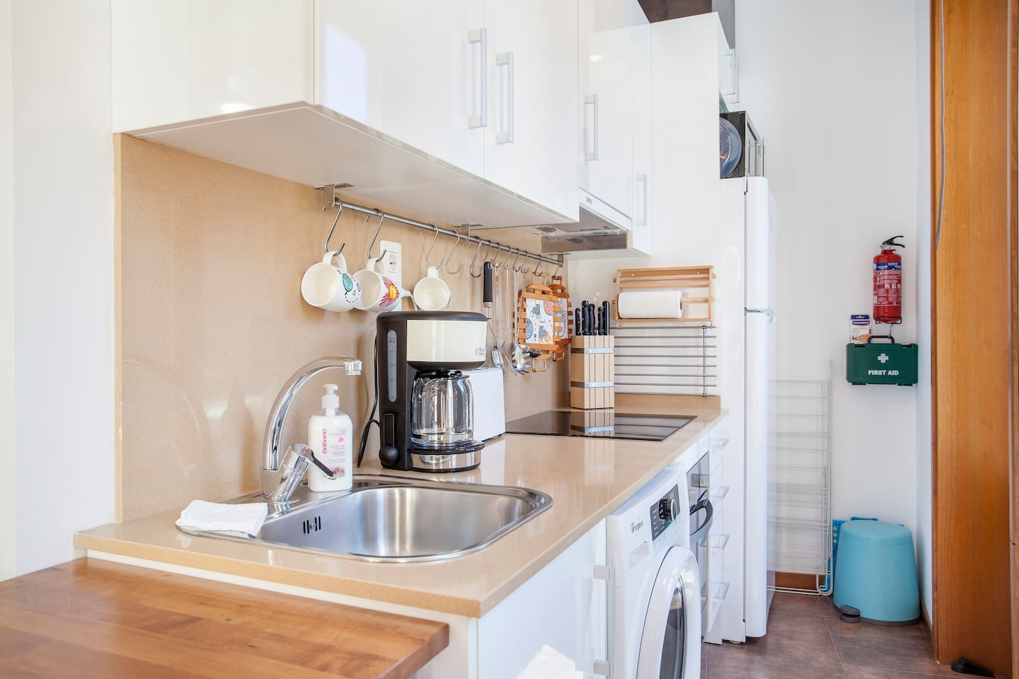 FULLY EQUIPPED KITCHEN WITH EVERYTHING YOU NEED