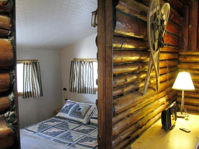 Chambre principale - Main bedroom