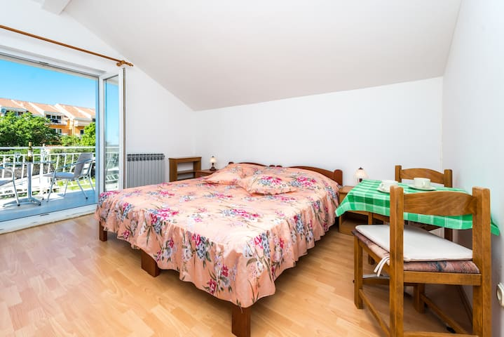 Apartments Paradzik- Apartment with a nice balcony - Dubrovnik - Apartment