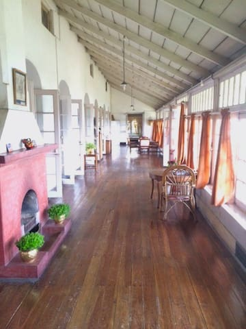 A Touch Of Magic In Kurseong | Singell Tea Estate - Kurseong - Bungalow