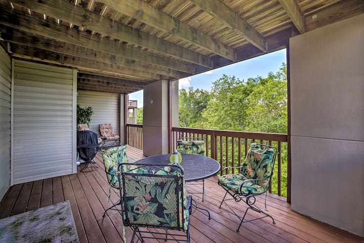 Enjoy picturesque views during your stay at this Branson vacation rental condo!