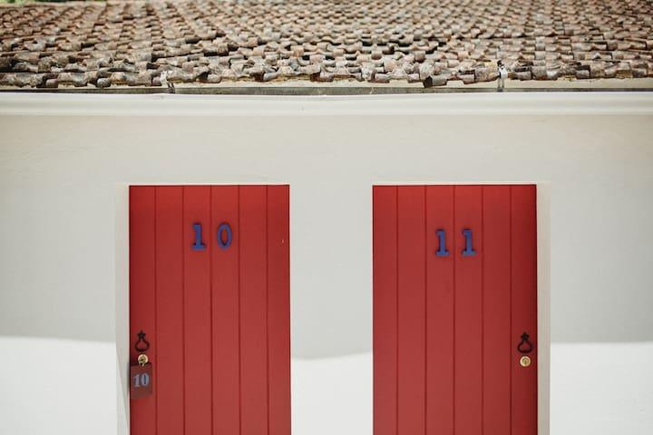 Portuguese Wine Estate - Alenquer - Houten huisje