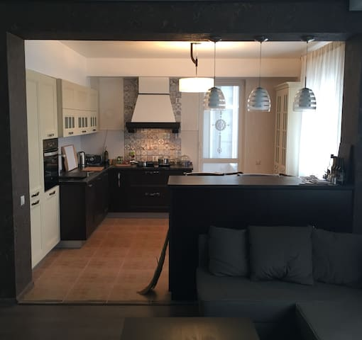 120 sq-m appartment - for 3 and more people - Minsk - Huoneisto