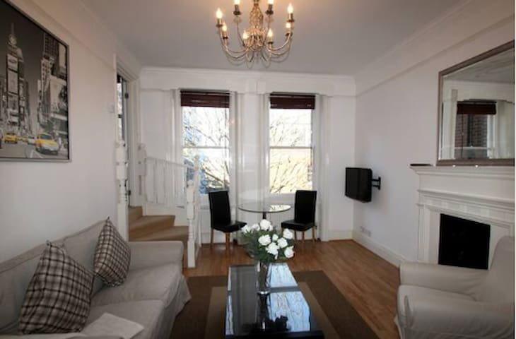 Beautiful one-bedroom Flat in the heart of Chelsea