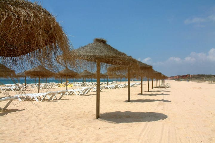Sunny Apartment in Perfect Location - Vilamoura T2