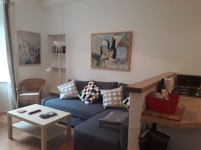 Central Apartment Salmond Place near Holyrood Park