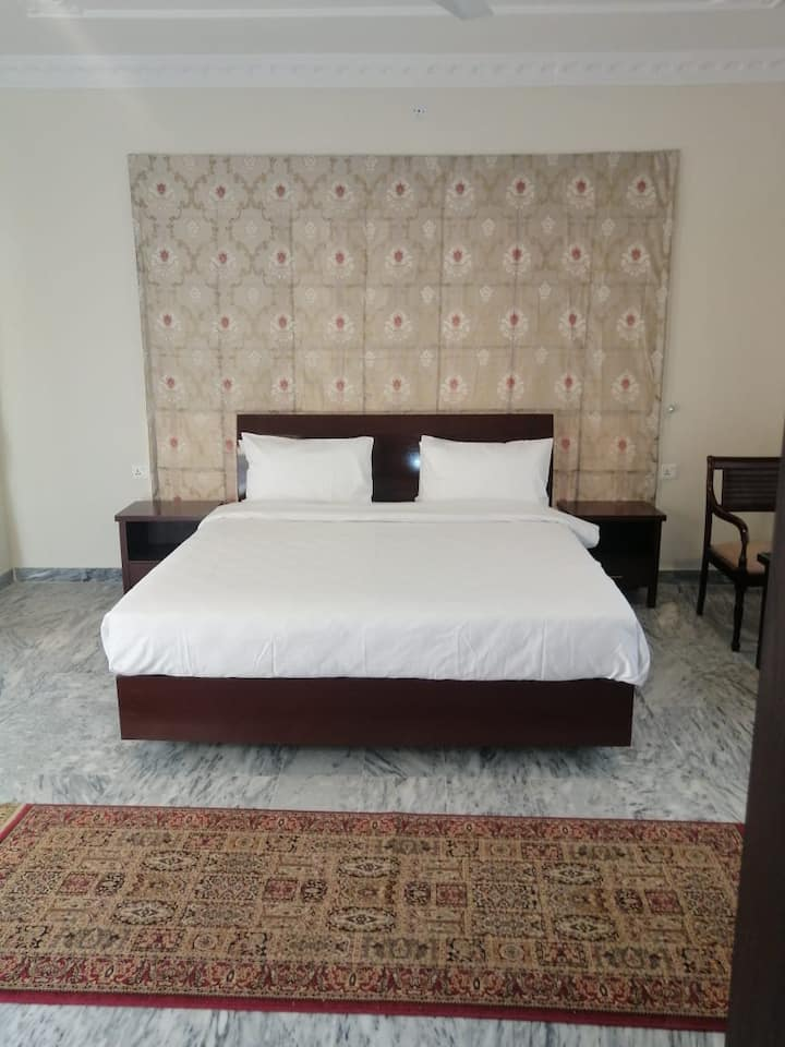 Ziel Suites 23$ per suite per night total 6 suites