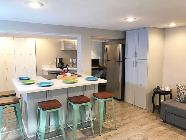 Beautiful Apartment in Canyon Rim Neighborhood