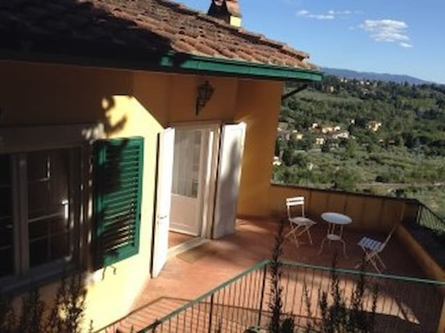 PRIVATE FLOOR WITH TERRACE - Florence - Villa