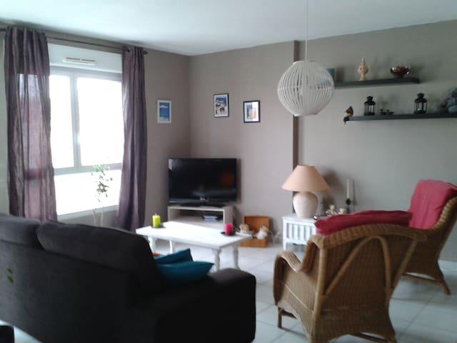Appartement F3 , accueillant à 10mn de la plage - Mèze - Condominio