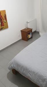 Chambre spacieuse dans un superbe appartement