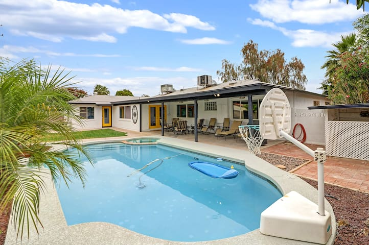 Old Town ~ Updated Large Modern Home ~ HEATED Pool
