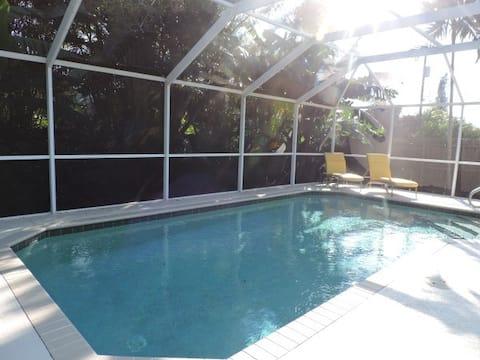 Naples Park Heated Pool/Beach Oasis