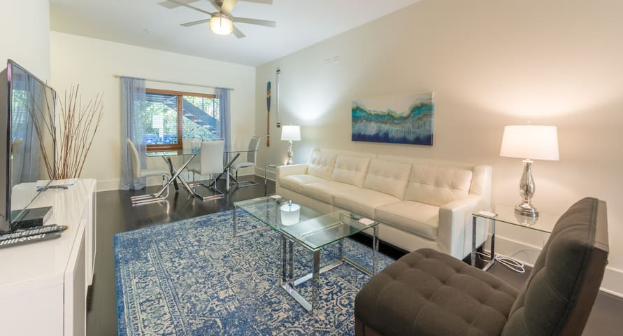 Apt G - Poolside in the Heart of Winter Park