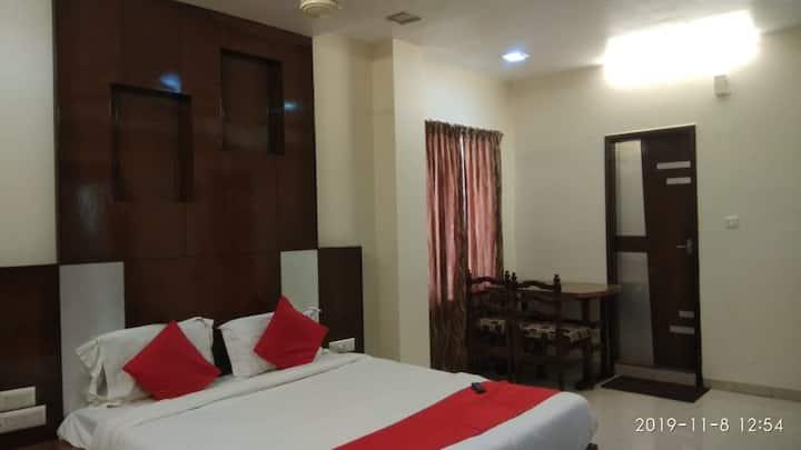 iROOMZ Hotel Abhiram Deluxe Double A/c Nellore