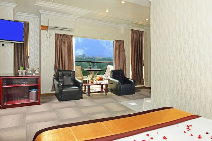 Hotel Grand United Ahlone Branch: Family Room