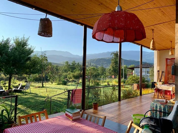 Komli: Historic Farmhouse w/ Mountain Views