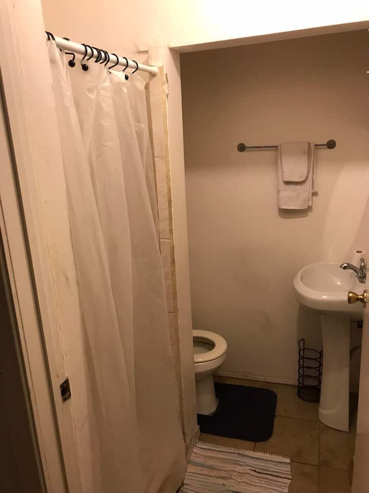 #1 private studio with a private bathroom for 2