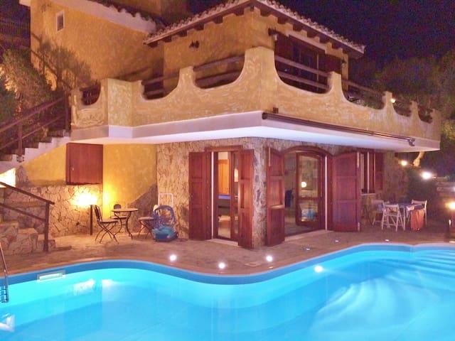Villa Vittoria con piscina riscaldata privata