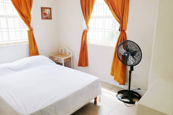 Comfy private room for rent in Barbados