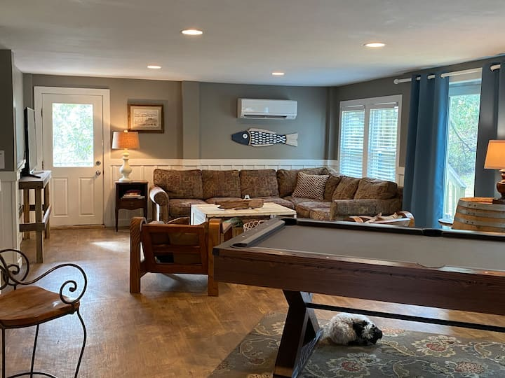 Quiet beach retreat for couples or family