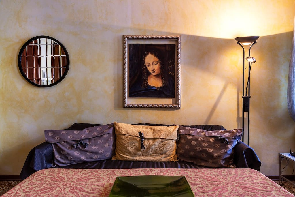 This is not the usual tiny cheap-furnished Airbnb. As you can see. The style is more a modern twist of the traditional venetian baroque - rococo