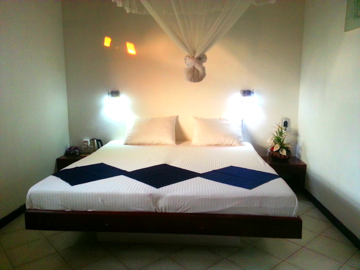 Chaya Villa Guest House - Double Room - AC