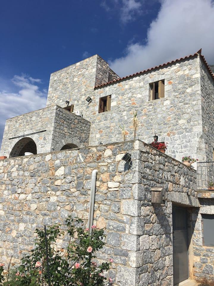 Πύργος παραδοσιακός με μαγευτική θέα