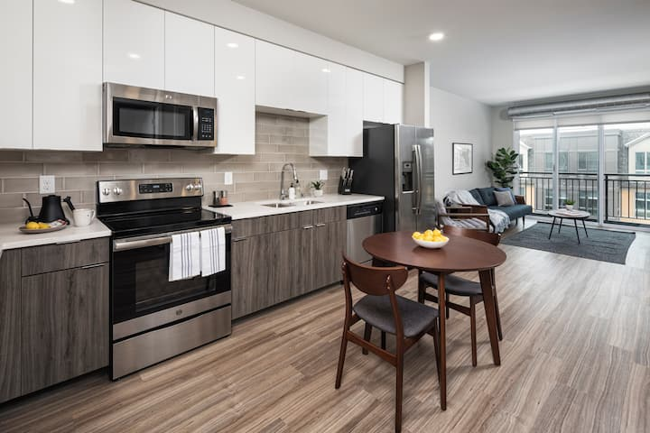 Locale | Minneapolis West End | 1 BR