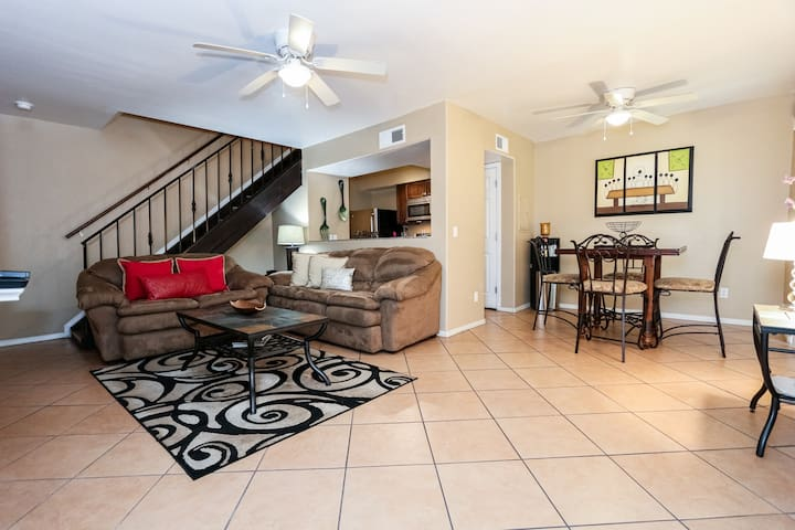 Beautiful Condo in Tucson East Side! RSVP Now!