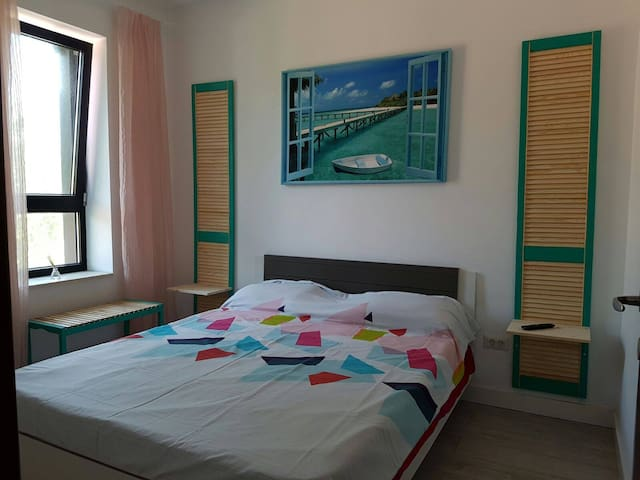 Gorgeous New Apartment 50 meters from the Beach - Constanța - อพาร์ทเมนท์