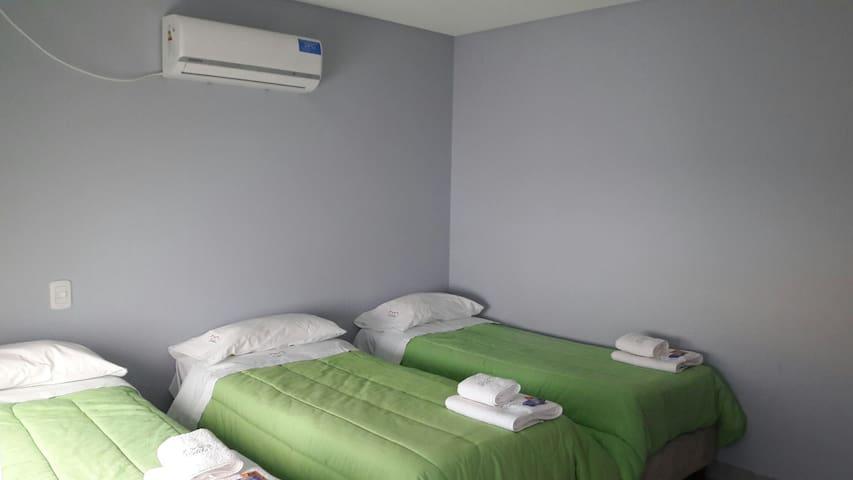habitacion 3 camas