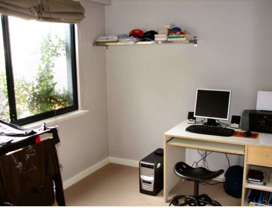 2nd bedroom/office - currently has desk shown in picture and sof- bed