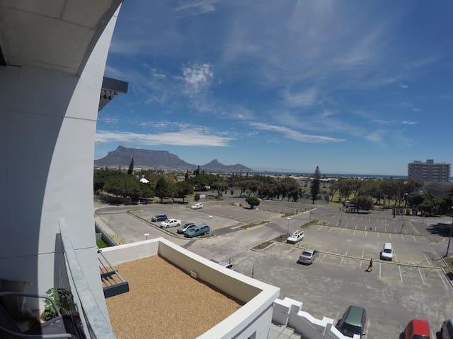 Modern Apartment with Fantastic Views - Cape Town - Apartemen