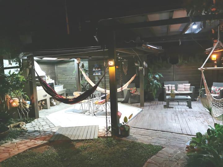 120m2, lounge e quiosque cobertos (50m2), c/fonte