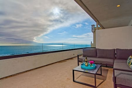 Luxury Beachfront Villa, Steps to Carlsbad Village - Penthouse A