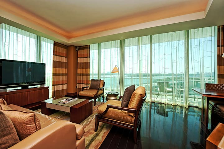 10295 Collins Ave One Bal Harbour-2 bedroom Suite