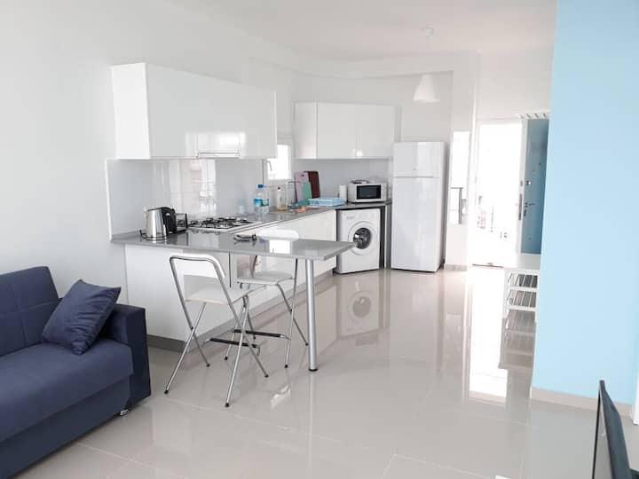 Апарт 2 комнаты  в жилом комплексе  на пляже