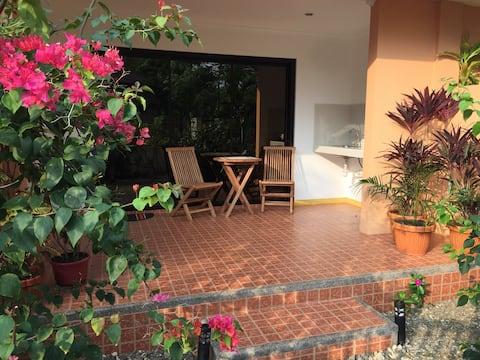 Bing's Garden 3 - Cozy home with beautiful garden