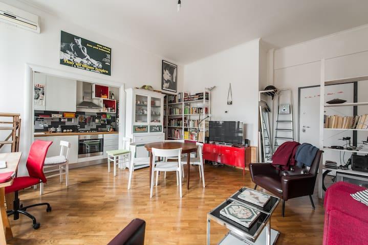 Bright apartment in the heart of Pigneto (metro C)
