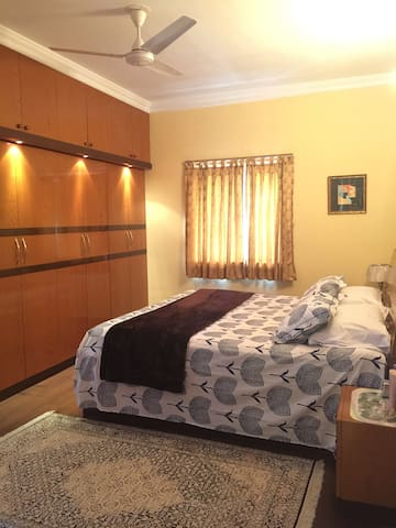 Luxury Flat in South City, Kolkata - Kolkata - Byt