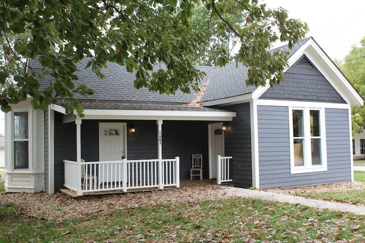Rebecca's Retreat Historic Downtown Pleasant Hill