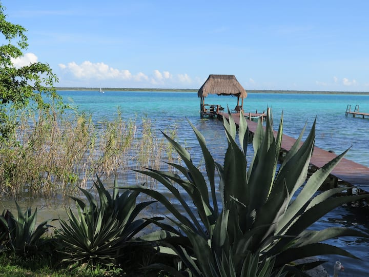 DOUBLE ROOM WITH LAKE VIEW IN AMIGOS HOTELITO