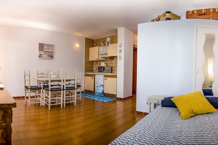APARTMENT WITH SEA VIEW & FREE WIFI - Empuriabrava - Wohnung