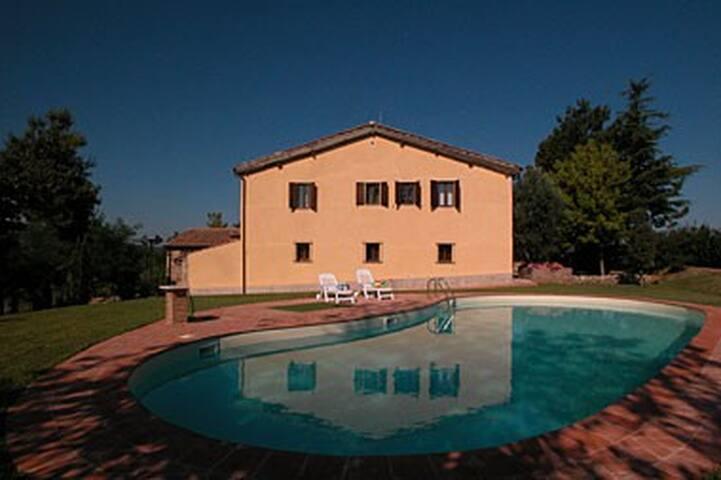 Amazing villa 10 min from Siena - Sienne - Villa
