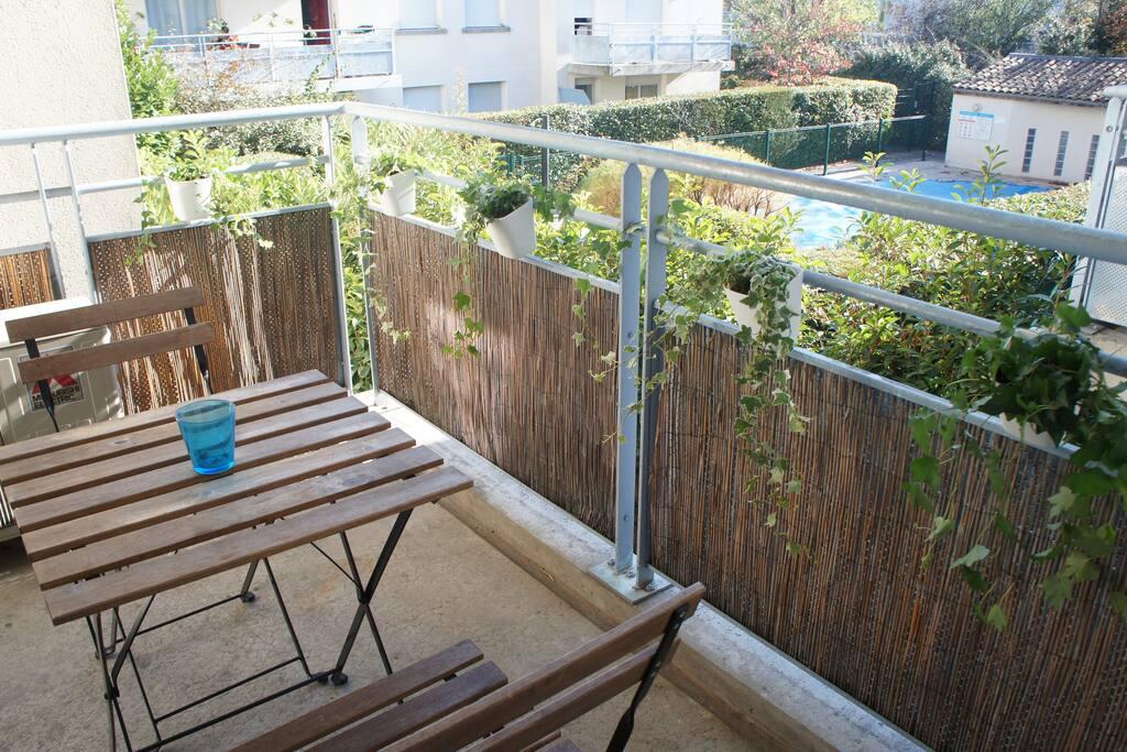 t2 dans r sidence avec piscine et parking s curis appartements louer toulouse languedoc. Black Bedroom Furniture Sets. Home Design Ideas