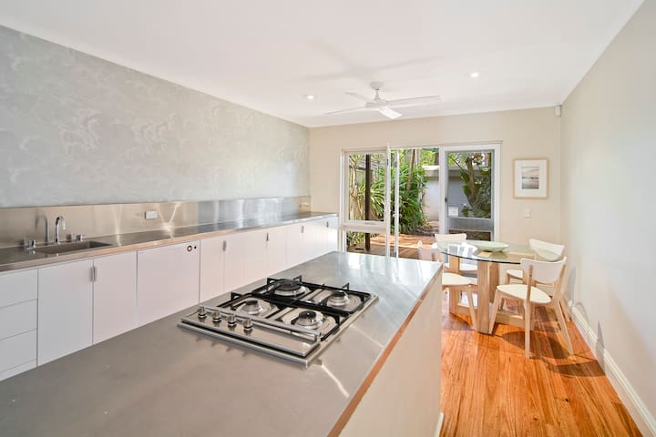Charming Terrace Home In Prized Locale - Surry Hills - Huis