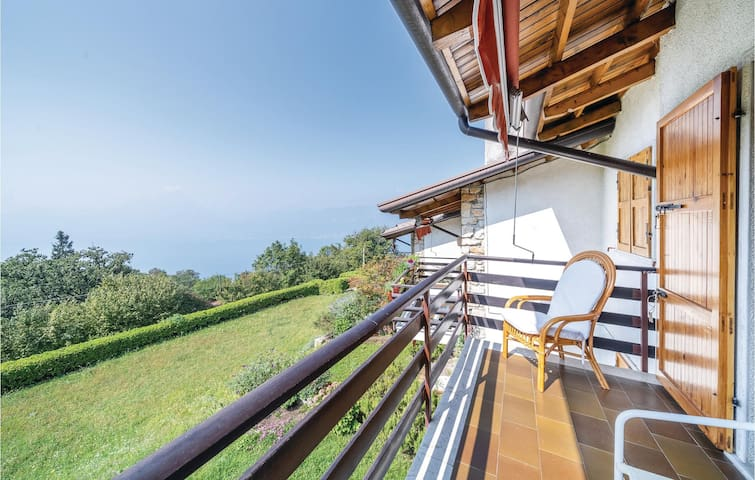 Holiday apartment with 2 bedrooms on 60m² in San Zeno