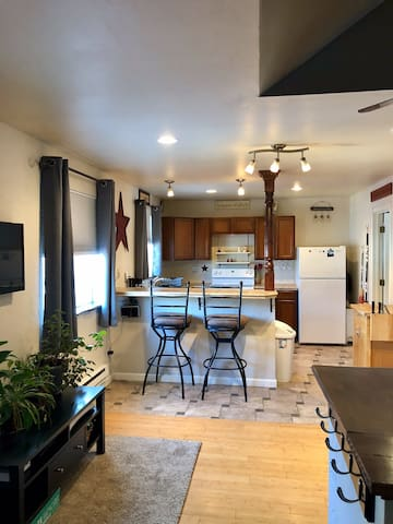 Adorable Studio Apartment Downtown Kalispell