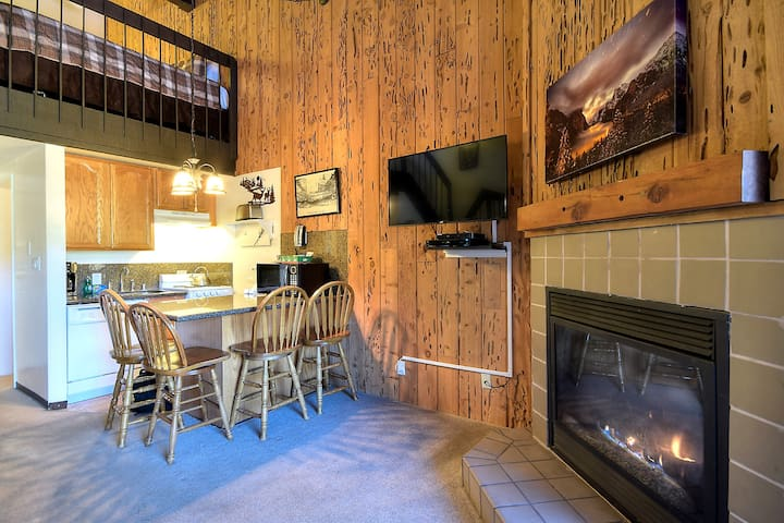 Yosemite West Small Loft Condo A209